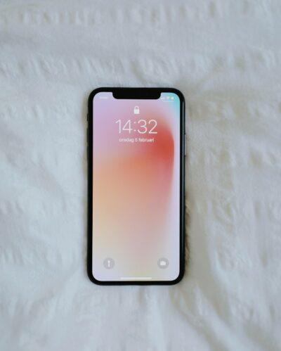 Phone on home screen